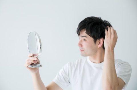 白髪の原因はストレス?対策や予防、染める方法について