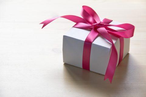 ホワイトデー人気のお返し5選!お菓子よりもプレゼントが喜ばれる理由