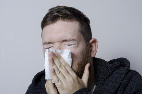 鼻づまりに対処する解消法とは?原因と治し方を紹介