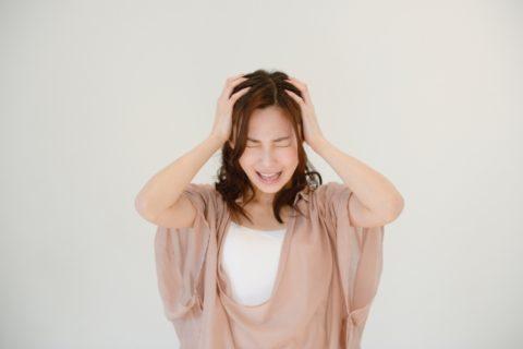 花粉症の頭痛の原因とは?治し方と症状について